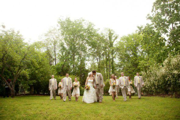 rustic-wedding-party