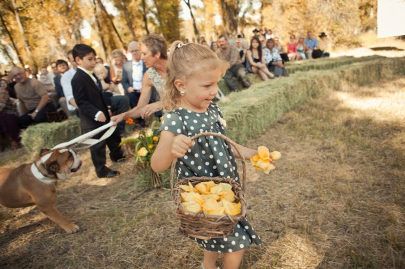 country-wedding-flower-girl