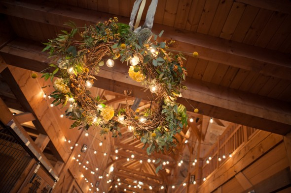 hanging-wreath-wedding