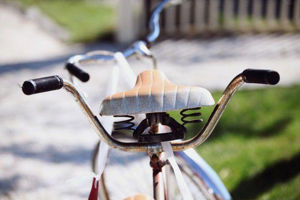 vintage-bike-at-wedding