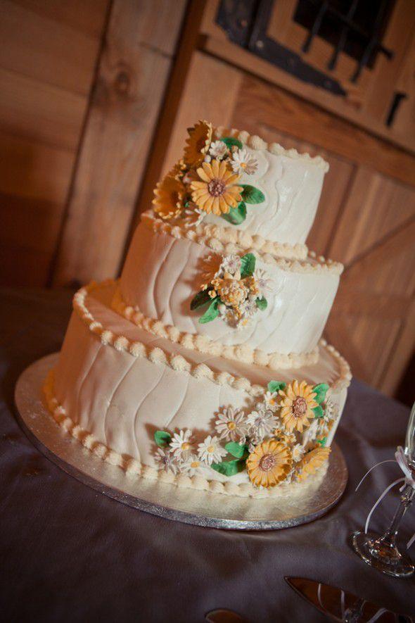 sunflower-wedding-cake