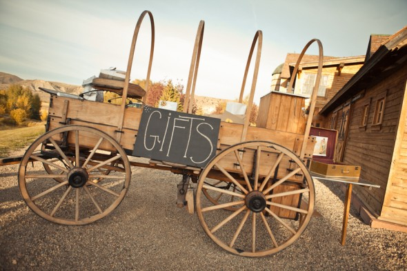 wagon-for-wedding-gifts