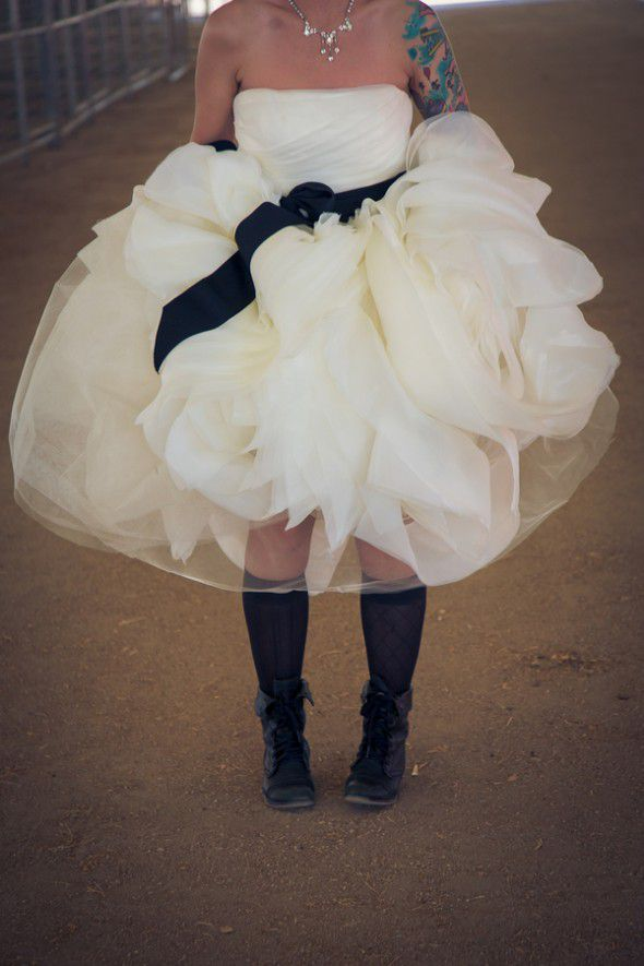 bride-wearing-boots