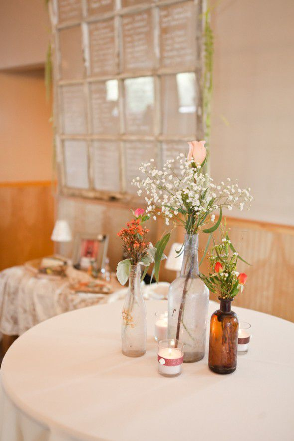 vintage-wedding-table-flowers