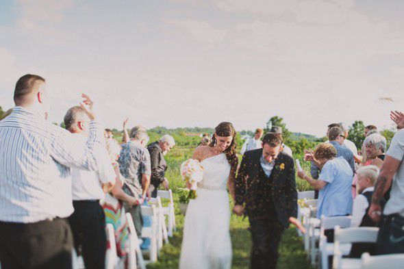 outdoor-vineyard-wedding