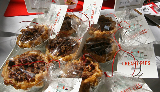 mini-pie-wedding-favors