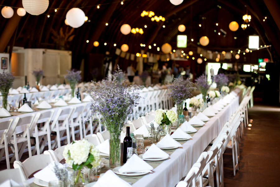 Michigan Wedding In A Barn At Blue Dress Barn