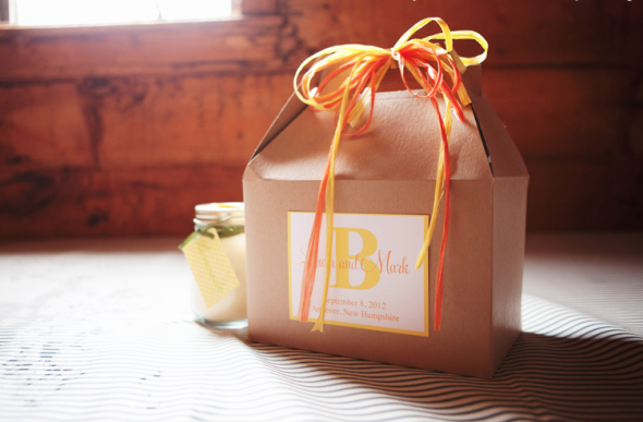 Kraft gable boxes as a rustic wedding welcome bag