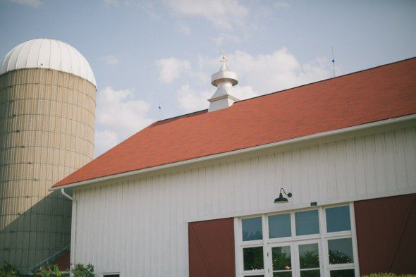 IL Barn Wedding Location