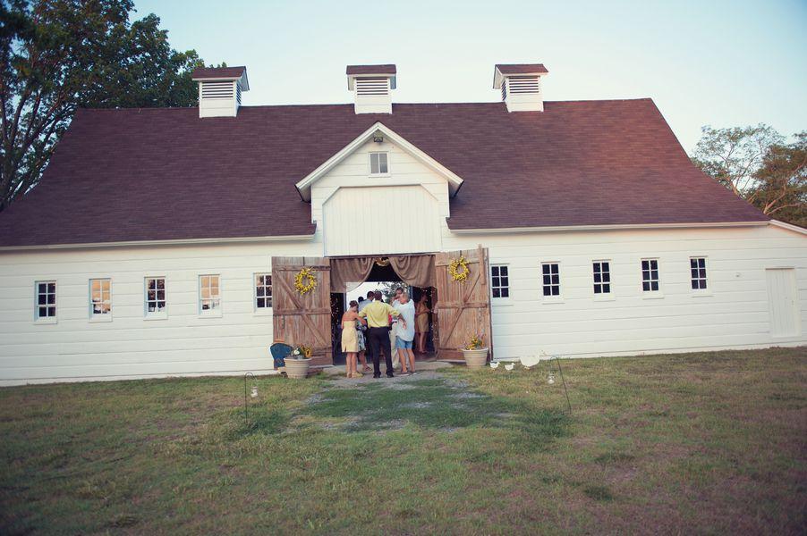 Maryland Barn Wedding - Rustic Wedding Chic