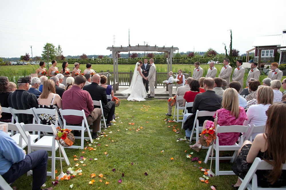 Outdoor Wedding Venues Washington State: Rustic Barn Wedding In Washington State