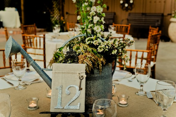 Country Wedding Centerpiece Decorations : Rustic wedding table centerpiece ideas