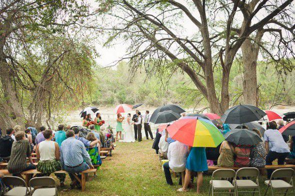 Rainy day wedding must haves rustic wedding chic wedding in the rain junglespirit Choice Image