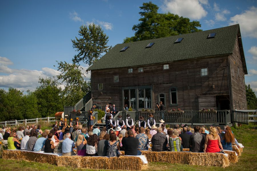 Outdoor Wedding Venues Washington State: Washington State Country Barn Wedding