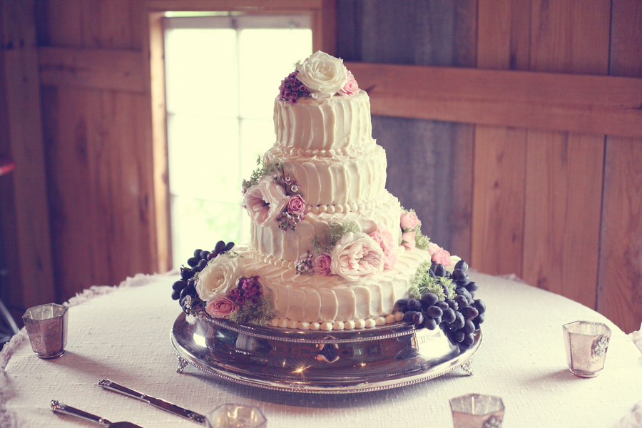 low country wedding cakes franklin tn barn wedding at southall rustic wedding 16961