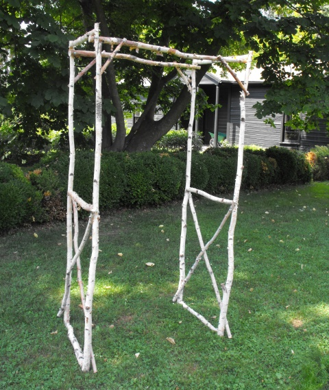 Rustic Wedding Arbors: 10 Vintage Items You Can Rent For Your Wedding