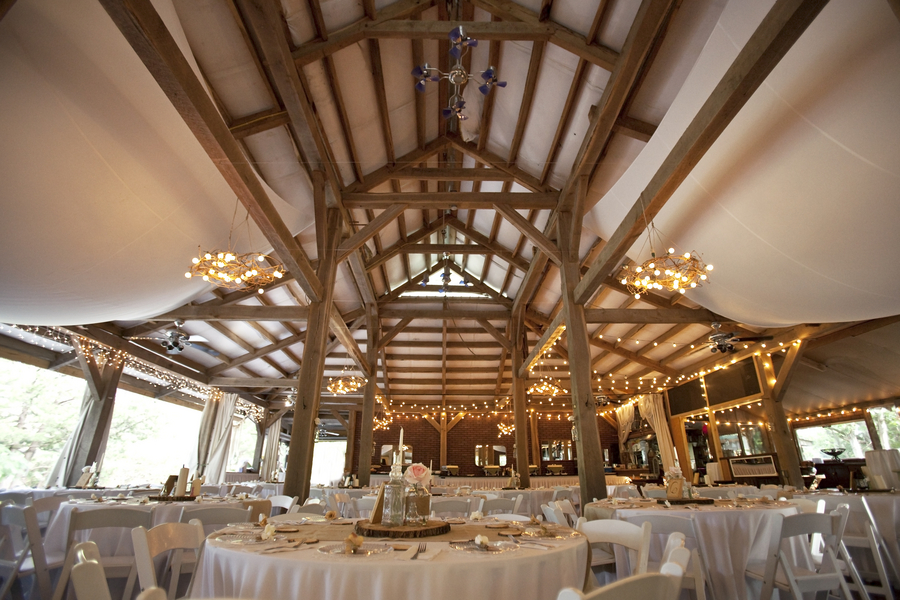 Missouri barn wedding rustic wedding chic for Local venues for weddings