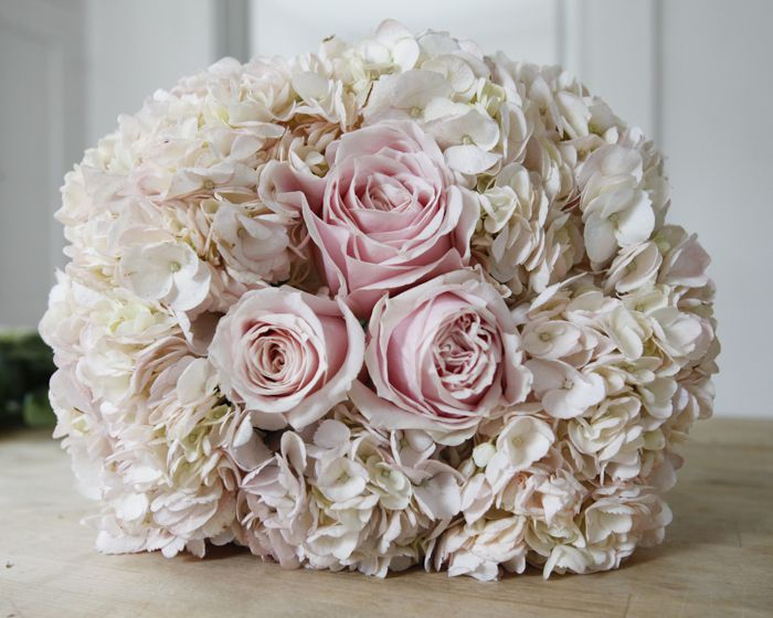How to Make Your Own Perfect Wedding Bouquet - Rustic Wedding Chic