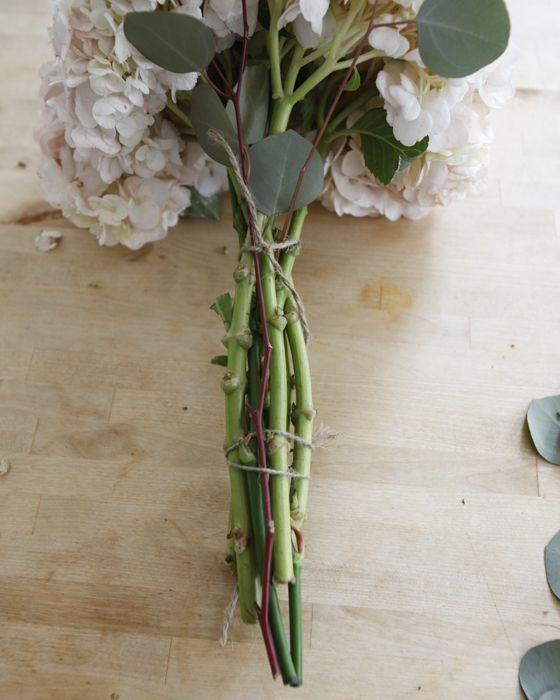 Making Your Own Wedding Flowers: How To Make Your Own Perfect Wedding Bouquet