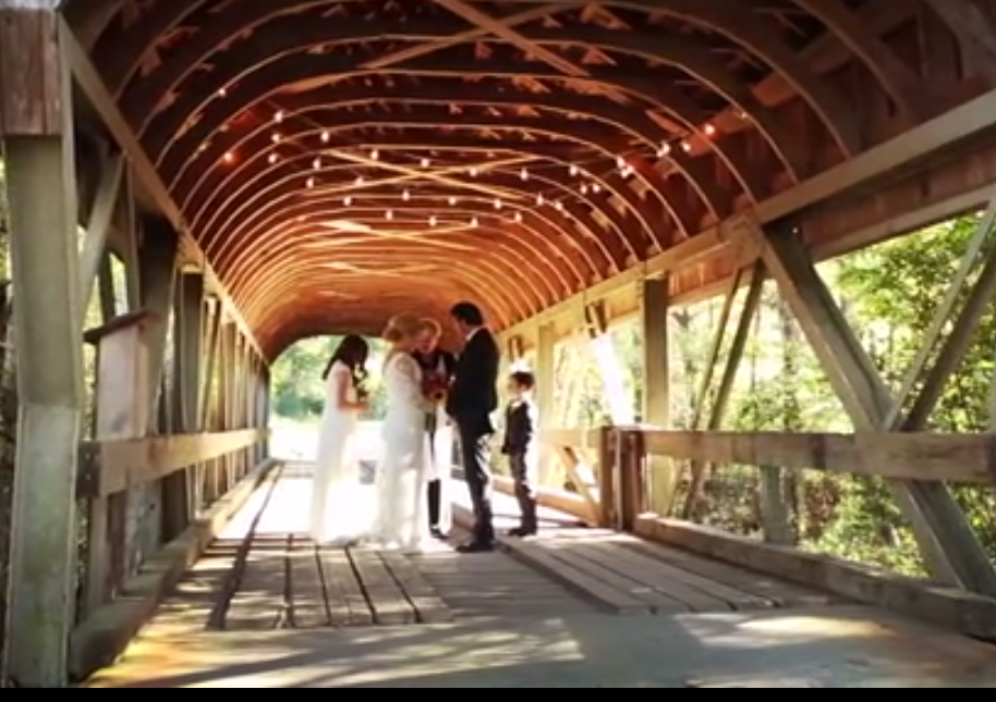 5 Things We Loved About Kelly Clarkson Wedding Rustic