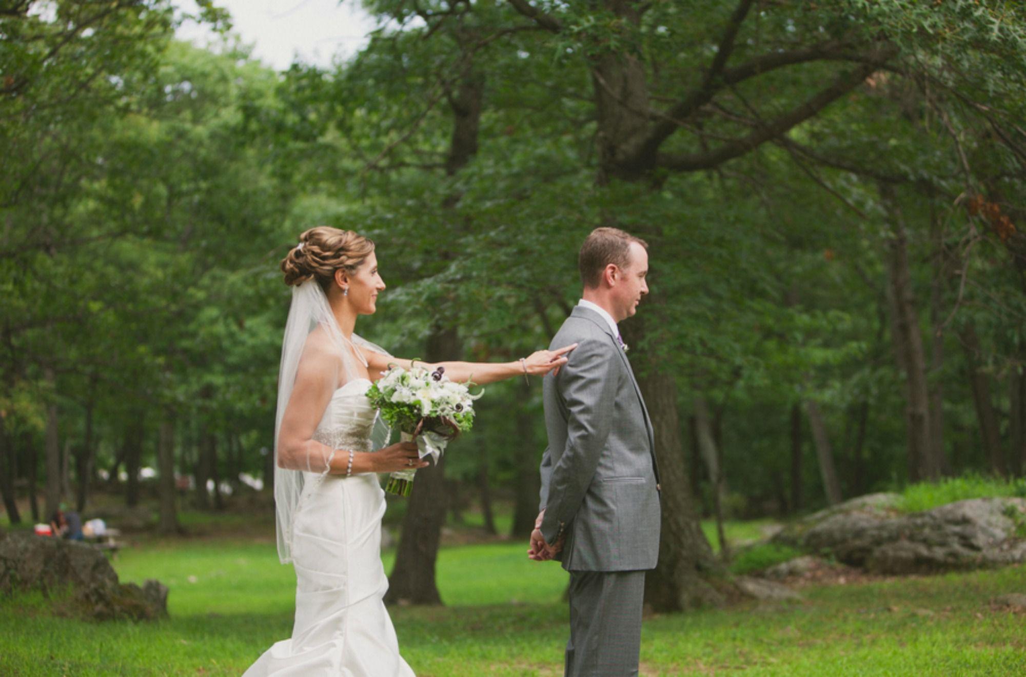 first look bride groom