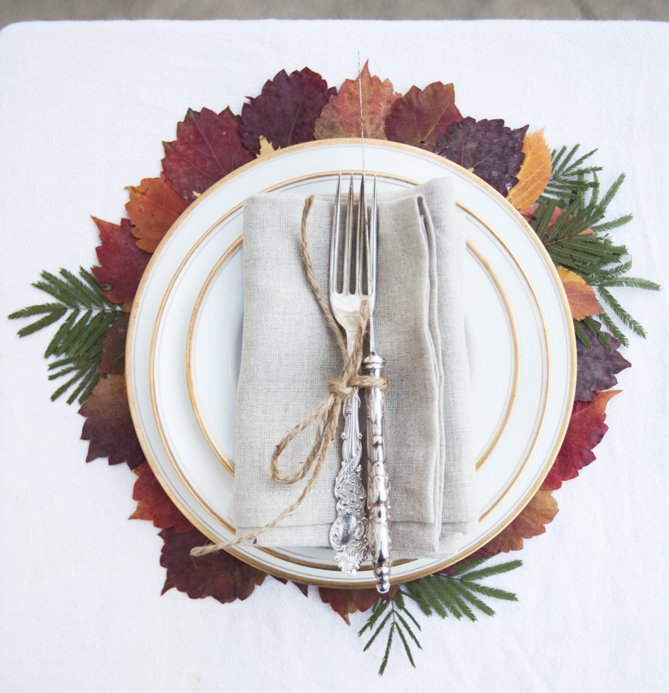 Diy fall leaf place settings rustic wedding chic Places to have a fall wedding