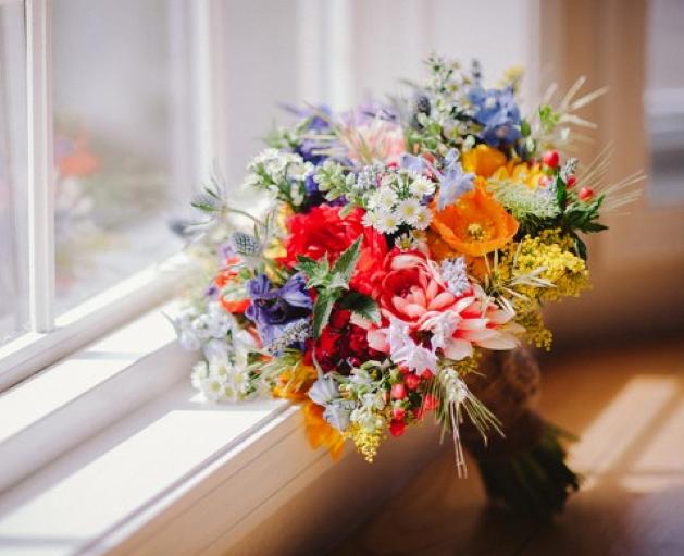 top ten wildflower wedding bouquets rustic wedding chic. Black Bedroom Furniture Sets. Home Design Ideas