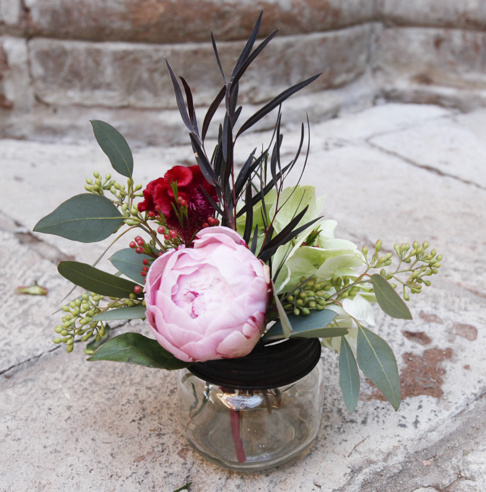How to make your own peony centerpieces rustic wedding chic for Create your own flower arrangement