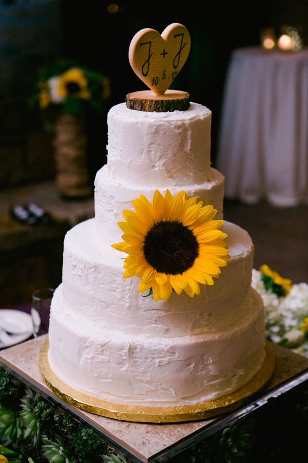 low country wedding cakes country sunflower wedding rustic wedding chic 16961
