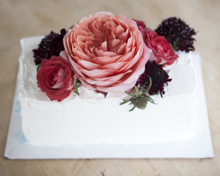 Step By Step : Floral Wedding Cake Topper