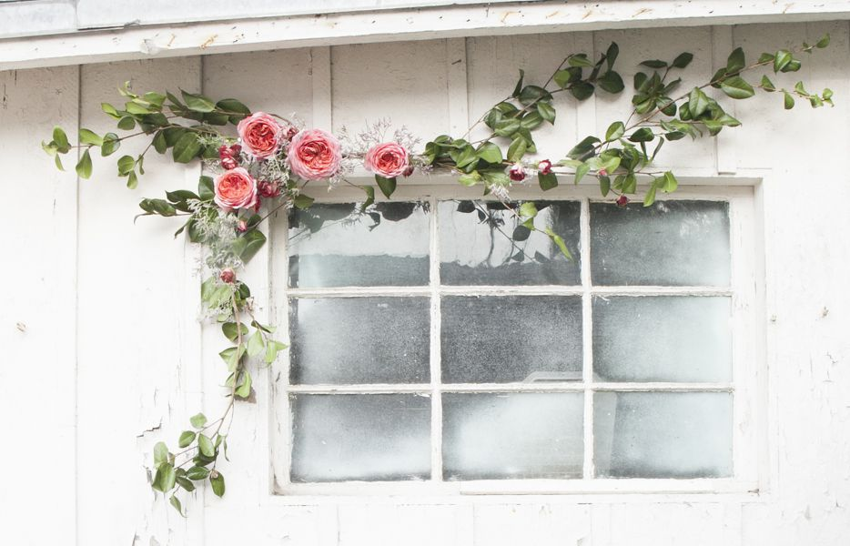 Step By Step : DIY Garden Rose Garland Tutorial