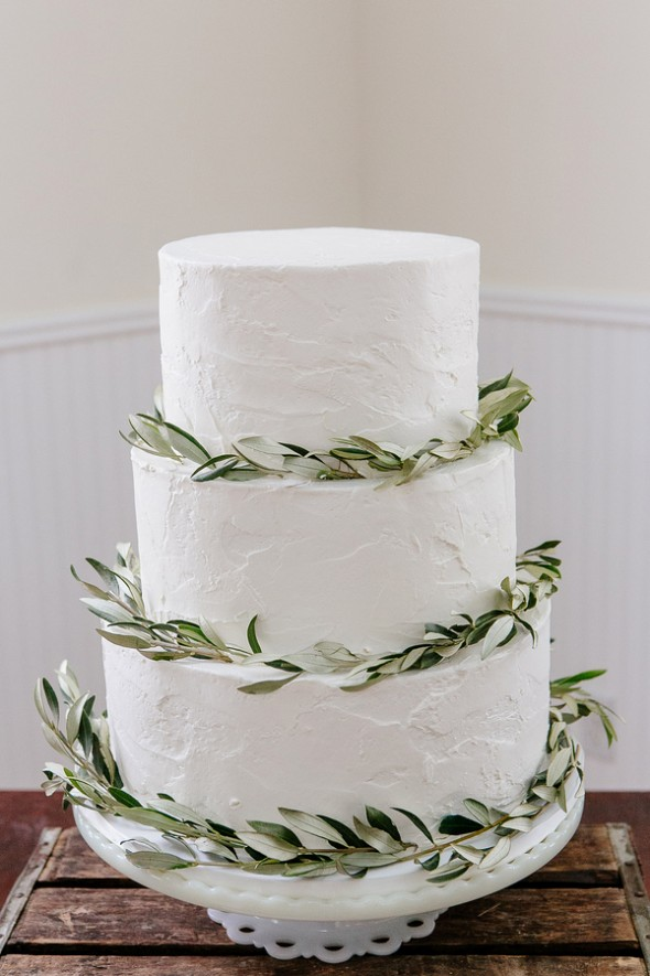 White & Green Wedding Cake