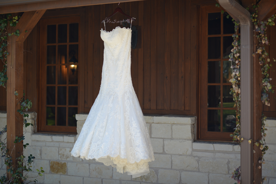 Used wedding dresses in georgetown texas mother of the for 1201 salon georgetown
