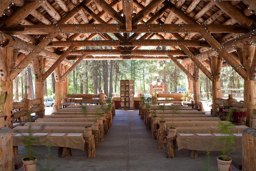 Rustic oregon wedding aili harley rustic wedding chic for Log cabin wedding
