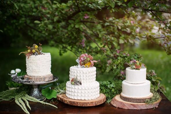 Rustic Woodland Wedding Cake Display