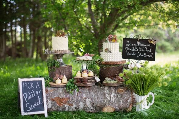 Rustic Woodland Wedding Cake Dispaly