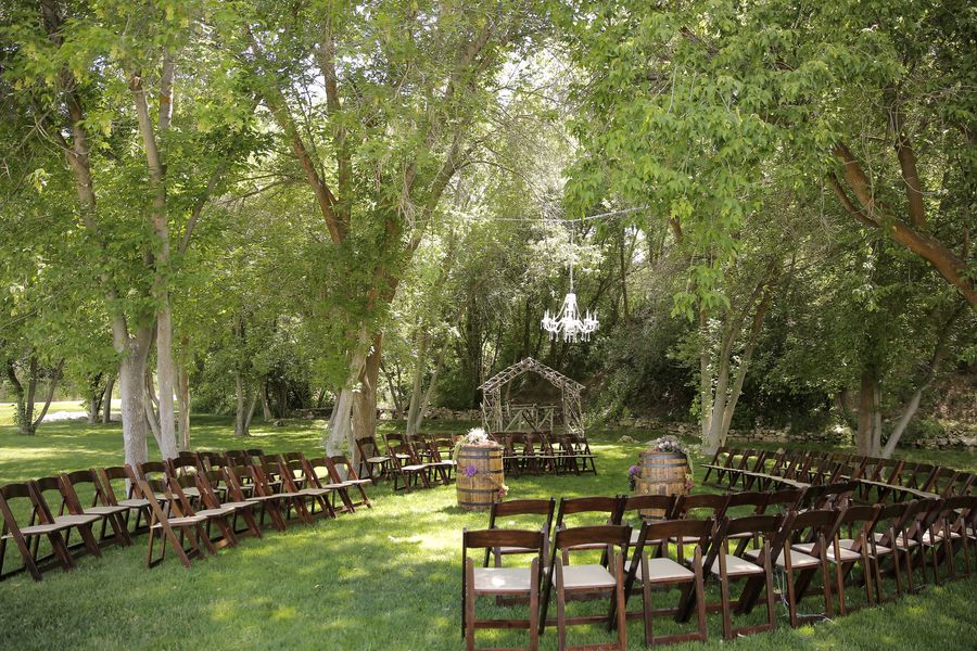 Beau Outdoor Wedding Ceremony With Chandelier