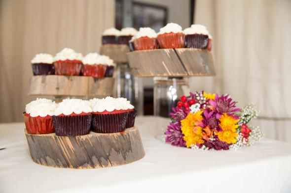 Rustic Wedding Cakestand