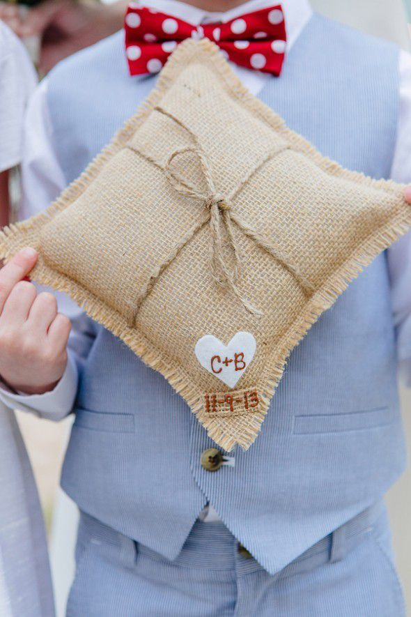 Burlap Ring Pillow From 10 Great Ways To Use At Your Wedding