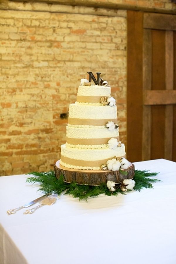 Cotton Wedding in South Carolina Barn - Rustic Wedding Chic
