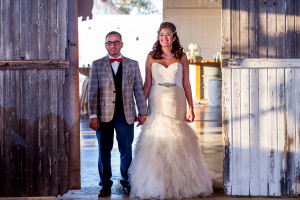 Rustic Fall Barn Wedding: Evelyn + Andres