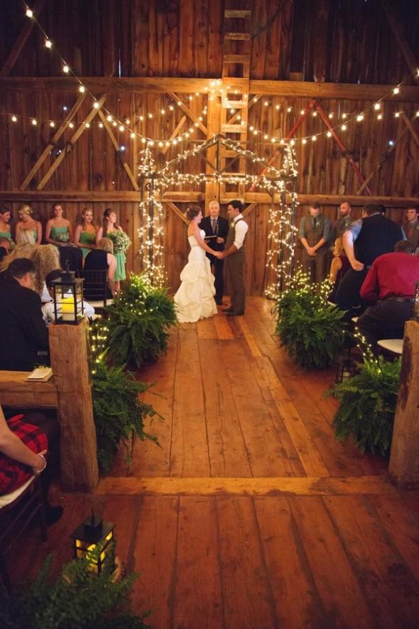 Rustic barn wedding in canada rustic wedding chic for Cute wedding decoration ideas