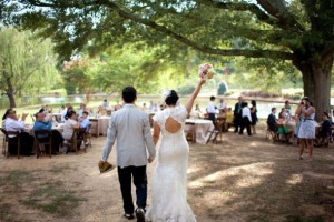 How To Plan A Rustic Wedding On A Budget