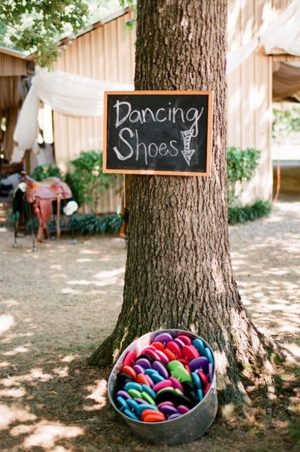 25 ideas for an outdoor wedding rustic wedding chic 25 great ideas for an outdoor wedding junglespirit Choice Image