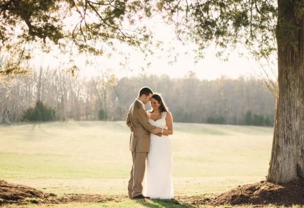 Virgina Barn Wedding: Emily + Wilson