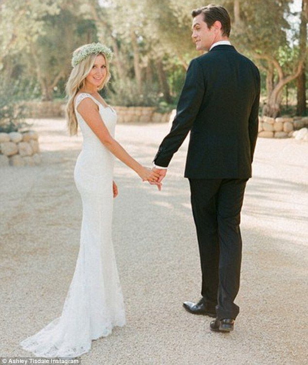 10 celebrity wedding dresses perfect for a rustic wedding rustic ashley tisdale wedding junglespirit Gallery