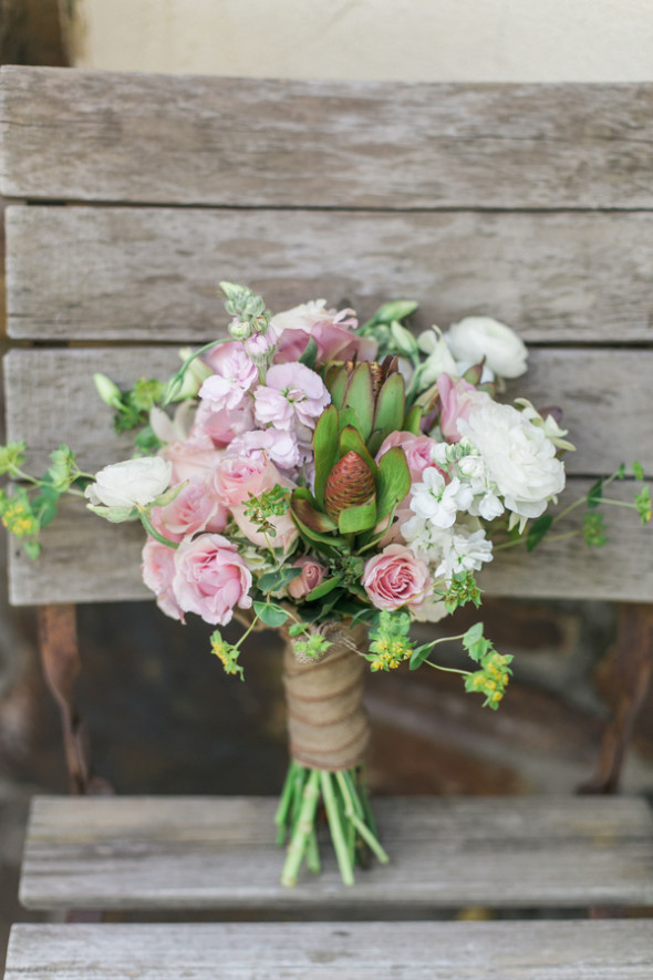 barn wedding flowers rustic wedding with pink theme rustic wedding chic 1504