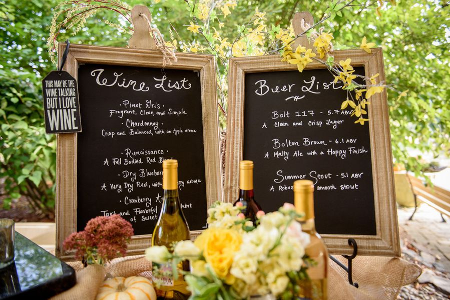 Sources Photography Mkd Venue Nashoba Valley Winery A Rustic Machusetts Wedding Event Planner Lindsey M Events Cake