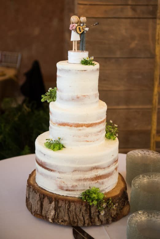 rustic barn wedding cakes the rustic barn wedding you need to see rustic wedding chic 19485