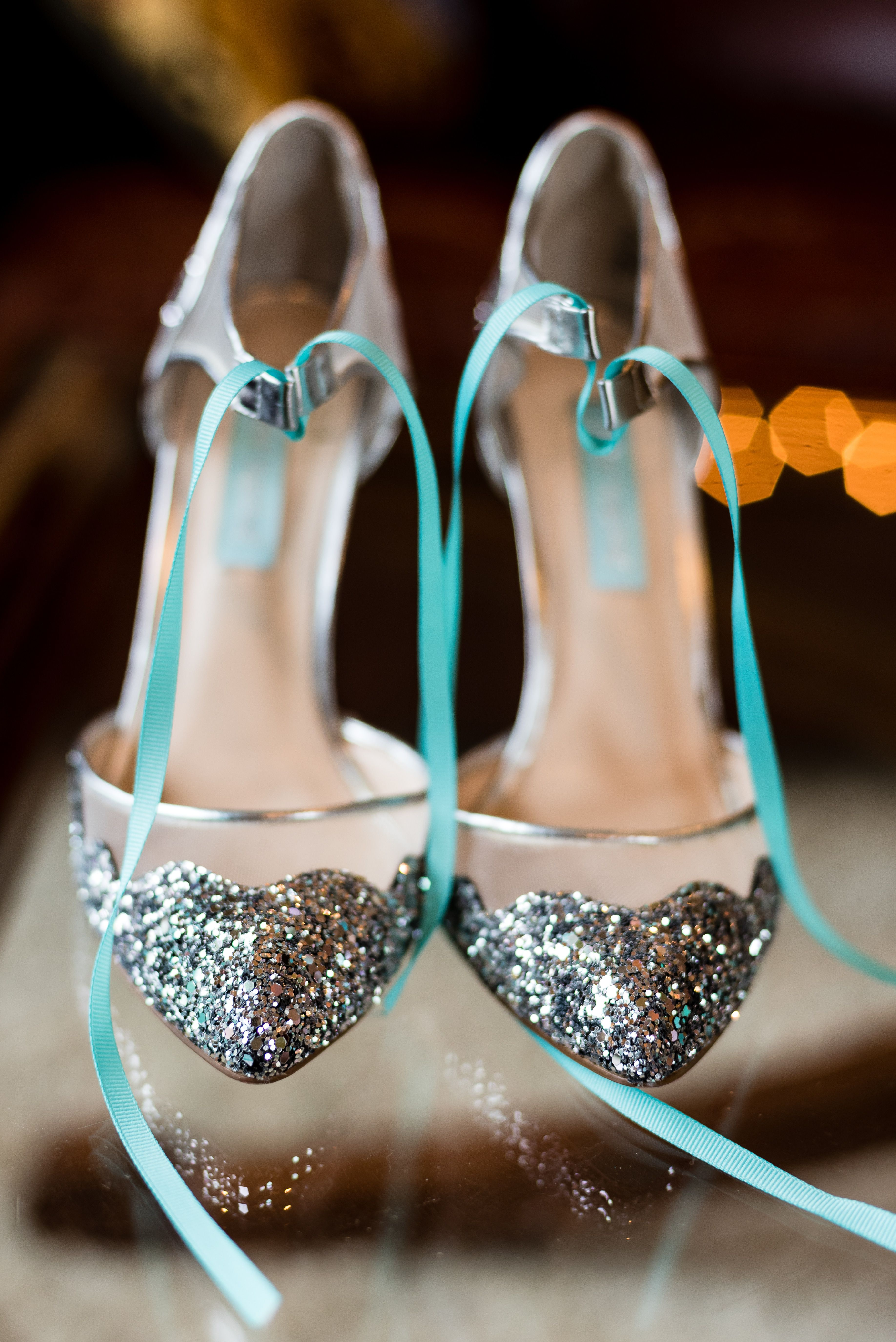 ff5c64baddff 10 Times We Fell In Love With Wedding Shoes - Rustic Wedding Chic